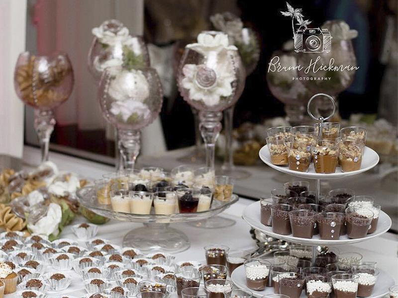casamento docinhos e salgadinhos mesa
